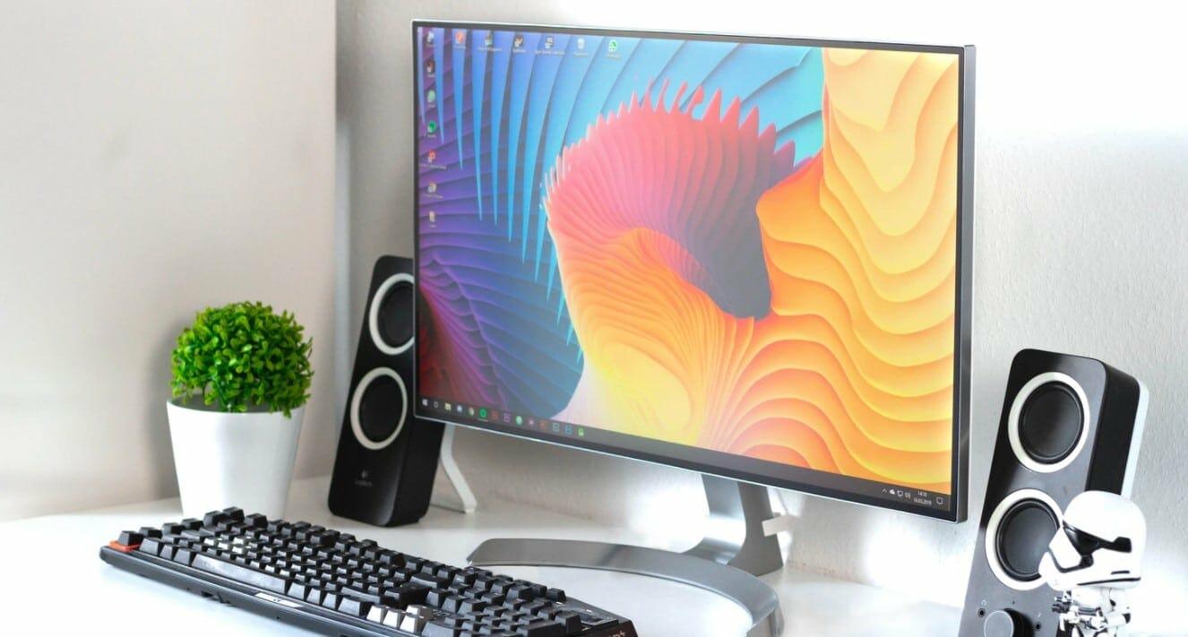 rainbow on a monitor