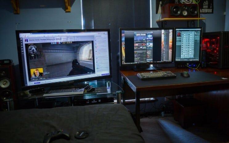 three monitors for gaming